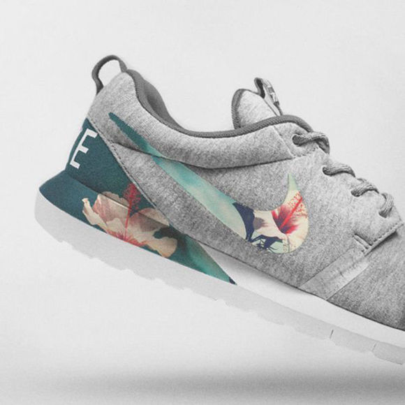 Afbeeldingen van Nike Floral Roshe Customized Running Shoes
